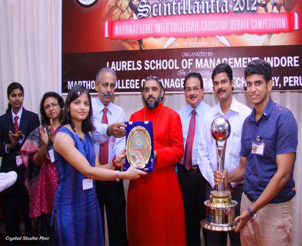 Best Team – Chinmaya Vidyapeeth, Kochi, represented by Ms. Bhavia Shah and Mr. Govindraj Kamath.